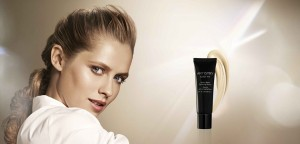 Exact Fit Beauty Balm Perfecting model and product image